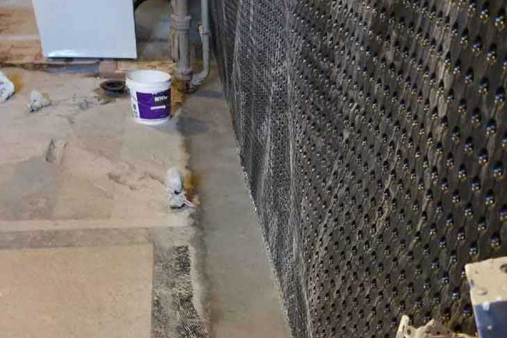 The interior basement waterproofing process | Interhome